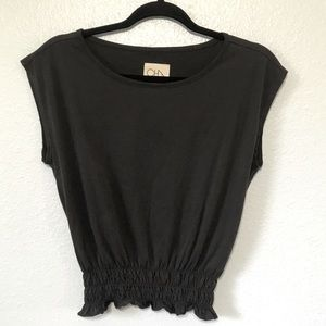 Chaser brown top with ruched hem size XSmall T14